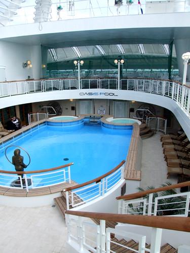 P&O Ventura - Oasis Spa & Pool - Deck 16