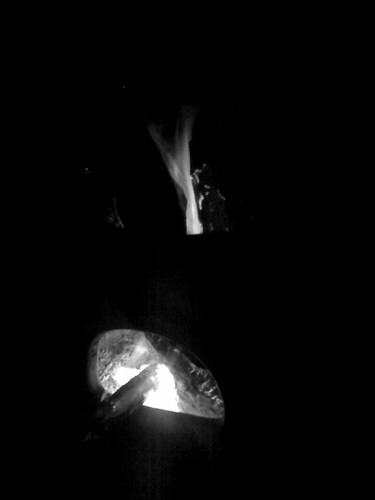 "Chimenea.bw • <a style=""font-size:0.8em;"" href=""http://www.flickr.com/photos/28749633@N00/2485653082/"" target=""_blank"">View on Flickr</a>"