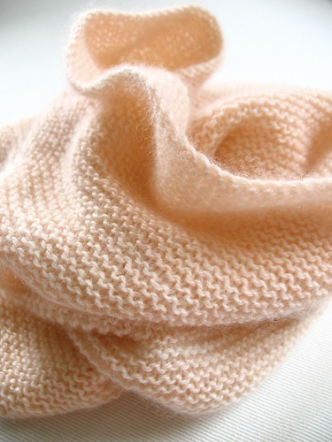 peachgartercowl