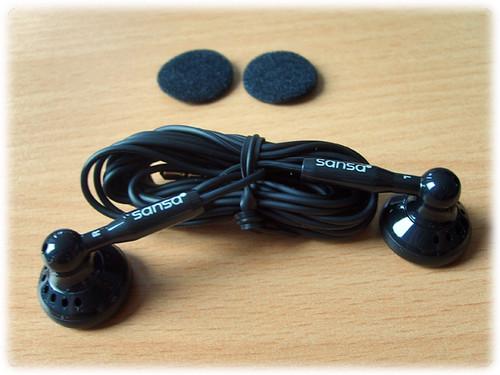 SanDisk Sansa e260 headphones