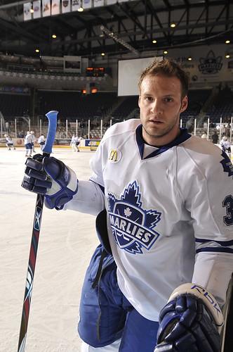Pro Player Using Oggie Ergo Hockey Stick Grip