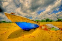 sampan kuala dungun terengganu malaysia (edphotographykedah@gmail.com a.k.a mzaidi) Tags: sea beach boat sigma malaysia kuala indah 1020mm hdr terengganu sampan dungun d80