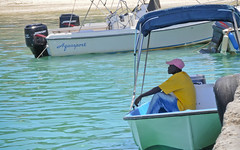 Bahamas / Harbour Island - Resting (Brenda Caurant) Tags: water look island boat nikon eau turquoise fisher bahamas pcheur repos le regarder bteau paisible
