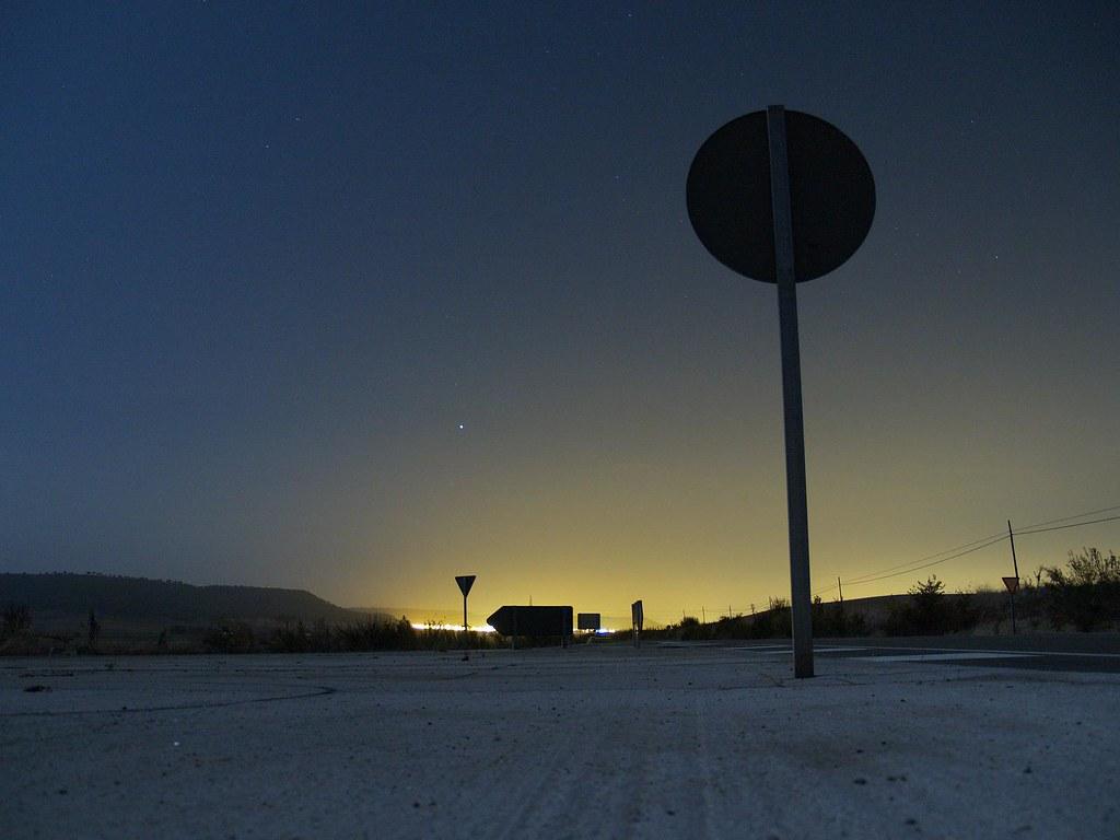carretera de noche