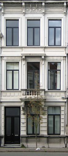 antwerpen a house  by Loraine@grijs.