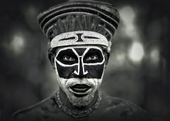 Hagener Papua New Guinea (Eric Lafforgue) Tags: pictures portrait bw black face photo eyes dof fear picture tribal hasselblad explore papou warrior tribe papuanewguinea papua ethnic hagen ethnology tribu peur  ethnologie h3d ethnique papuaneuguinea lafforgue ethnie papuan papouasienouvelleguine mounthagen papoeanieuwguinea papusianovaguin 8952      paapuauusguinea  papuanovaguin papuanovguinea   bienvenuedansmatribu