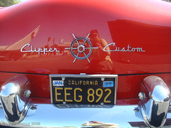 Packard Clipper-2 (fotonomous) Tags: red white cars 1955 losangeles kitsch nostalgia americana southerncalifornia sanfernandovalley clipper constellation packard encino twotone lydiamarcus fotonomous curioustransport httpfotonomousblogspotcom wwwlydiamarcuscom