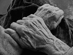 """Grandma's Hands"" (Bonnie Almeida) Tags: grandma bw love hands aging onephotoweeklycontest flickrlovers"