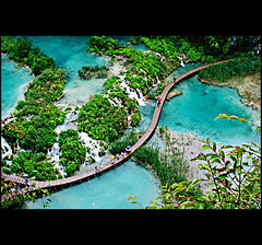 The lakes of Plitvice (Rben) Tags: park bridge lake tree waterfall nationalpark europe path turquoise lakes bluewater croatia naturallight lookout tourists national overview explored i500 plitvikajezera plitvickajezera fab40 postedin2008 fab40dec2008 plitvie fab40jan2009 fab40feb2009 fab40mar2009 fab40apr2009 fab40may2009 fab40jun2009 fab40jul2009 fab40aug2009 fab40sep2009 fab40oct2009 fab40nov2009 fab40dec2009 fab40jan2010 02infab40jan2010plitvice fab40feb2010 fab40mar2010 fab40apr2010 fab40may2010 fab40jun2010 fab40aug2010 fab40jul2010 fab40sep2010 fab40oct2010 fab40nov2010 fab40oct2011 fab40nov2011 fab40jun2012