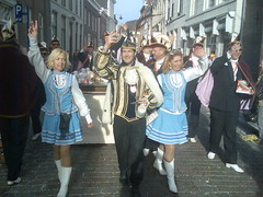 Prinz Lidl I und die Aldi schwester (jessevandenberg) Tags: den sint carnaval bosch trier shertogenbosch oeteldonk hendrien dansmaris dansmaries rkdv dansmari ganzlidl