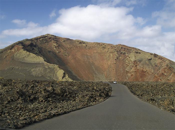 Carretera hacia el volcán