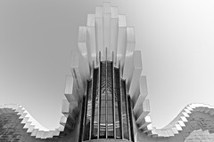 Bodega Ysios (Laguardia) (XVII) (manuela.martin) Tags: blackandwhite bw architecture spain winery espana calatrava bodega architektur laguardia santiagocalatrava spanien weingut contemporaryarchitecture modernearchitektur ysios bodegaysios riojaalavesavalley ysioswinery