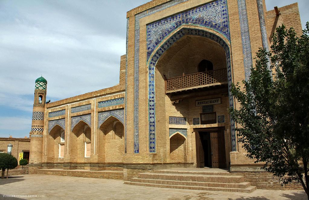 Mosquée de Khiva, reclassée en restaurant