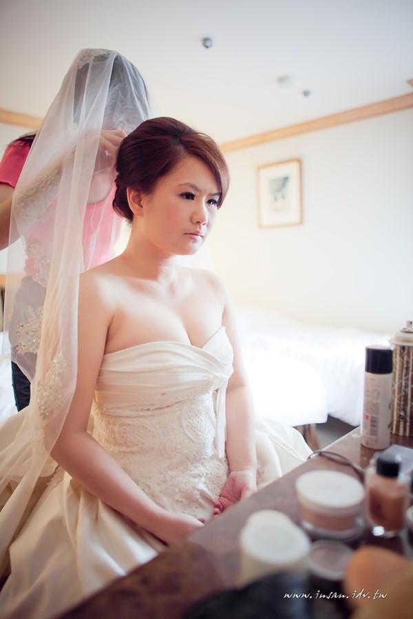 wed110507_064
