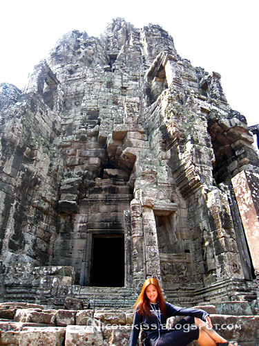 pose at bayon