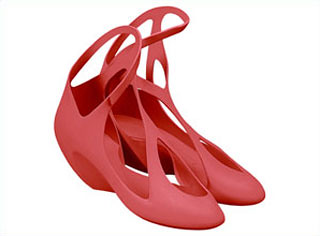 Zaha Hadid and her plastic shoes for Brazilian brand Melissa
