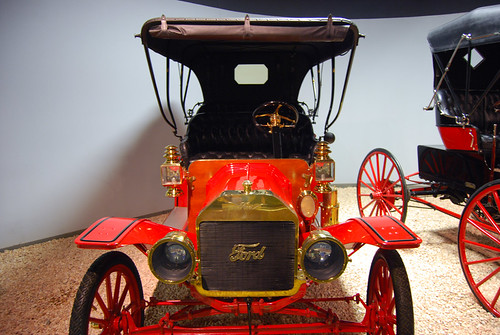 302-1909 Red Ford Model T