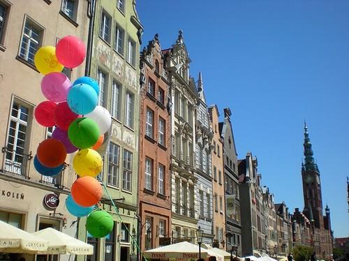 baloons by lucas figo.