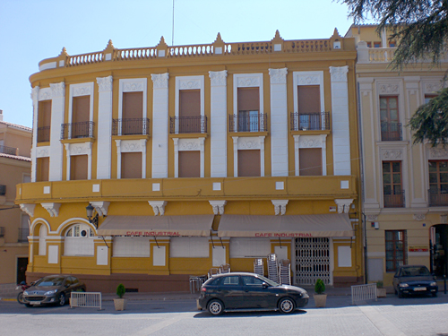 Enguera-yellow-building