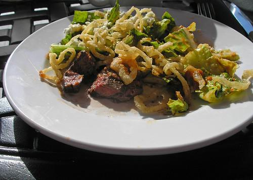 Bleu beef salad