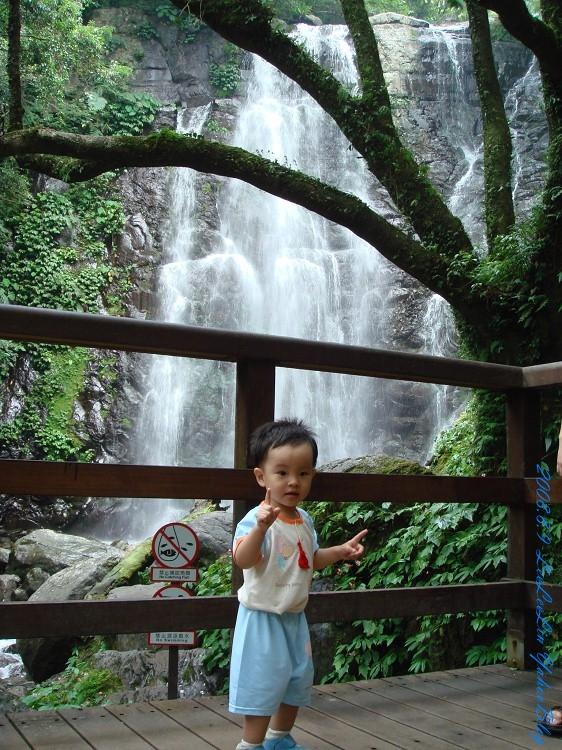 三峽瀑布芬多精] 滿月圓森林遊樂區