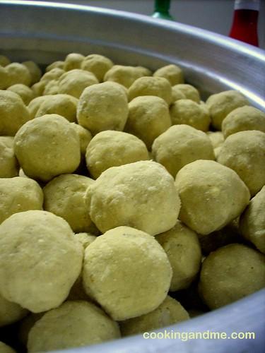 Maaladu | Pottukadalai Urundai | Ganesh Chaturthi Recipes