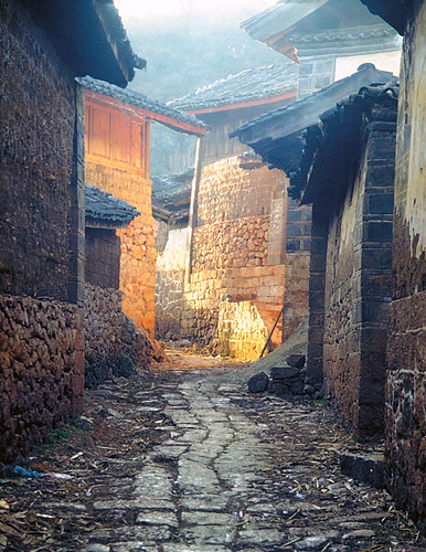 Village alley - Lijiang, Yunnan, China