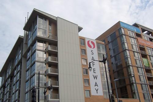 Sexy Safeway 09-13-08 003