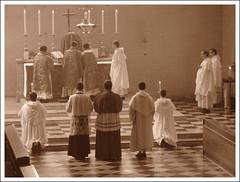 Mass of The Blessed Martyrs of Oxford University (Martin Beek) Tags: sepia catholic dominican mass tonal monochromephotography sepiaandmonochrome monochromeandsepia martinbeekc