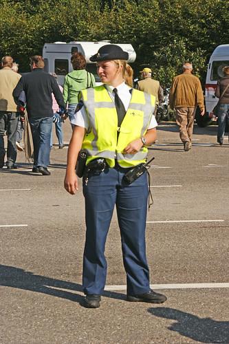 holland uniform control police policewoman officer tamron28300mmlens sonya350