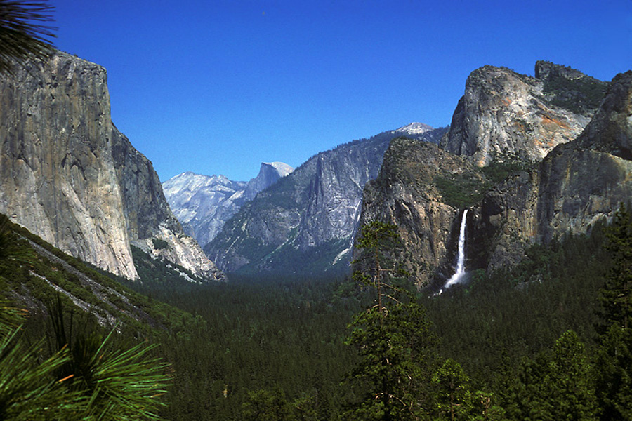 Tunnel View - Yosemite National Park - Color