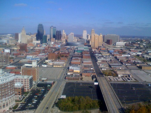 Downtown Kansas City (by ann-dabney)