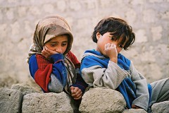 Asia - Iran -  (RURO photography) Tags: travel boy portrait people male tourism girl smile face female canon fun photography persian asia faces iran photos retrato cara middleeast hijab culture streetphotography reis persia nios nia thinking lonelyplanet criana ethnic portret nio bam meisje teheran nationalgeographic younggirl cultuur reizen portaiture jongen youngboy toursit chador gesichter supershot kartpostal enstantane streetimage voyageursdumonde journalistchronicles thebestofday gnneniyisi globalbackpackers discoveryphoto discoveryexpeditions rudiroels thegalleryoffineportrait perzie