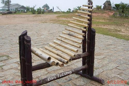 4303 dan` talung (cua don`g bao` dan toc) by you.