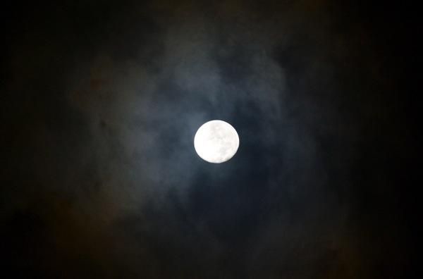 close2_moon_0038
