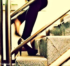 I CAN RUN...BUT I CAN'T HIDE........ (nanettesol) Tags: woman high mujer bokeh steps running upstairs heels tacones escaleras