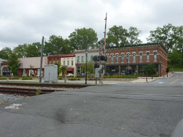 P1100831-2011-05-15-Adairsville-GA-Downtown