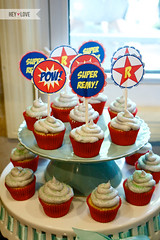 Hulk Cupcake Ideas http://wizzley.com/superhero-birthday-party-ideas/