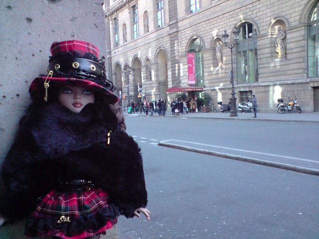 Sarah joue les touristes en solo à Paris 2303021620_97c63eac79_o