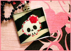 Rosy The Skull (stOOpidgErL) Tags: flower cute rose silver dead skull diy necklace handmade goth craft jewelry plastic kawaii zebra resin pendant bezel stoopidgerl