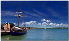 74 (Jerry968) Tags: sea sky bw cloud color nature finland landscape outdoors island boat wiking sad jerry hdr mariehamn land fnland jeremic cloudsland