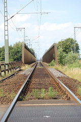 Eisenbahnbrücke (konqui) Tags: leer eisenbahn ostfriesland brcke eisenbahnbrückeostfriesland
