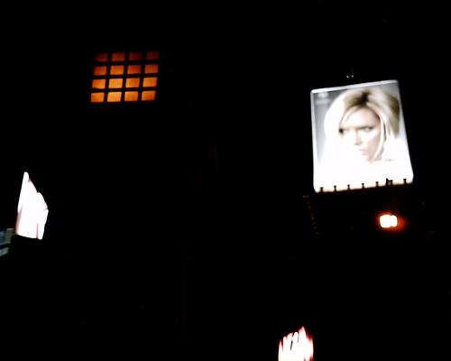 【写真】VQ1005で撮影した青山通り交差点