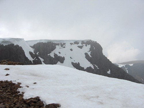 Cornices on Ben Nevis by richie@merseyventure.