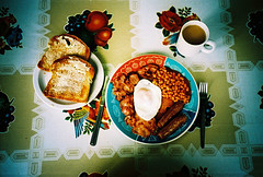 real working mans brekie (lomokev) Tags: food breakfast bacon cafe beans lomo lca xpro lomography crossprocessed xprocess tea folk egg knife sausage plate lomolca friedegg orangejuice agfa desayuno jessops100asaslidefilm agfaprecisa hashbrowns fryup lomograph agfaprecisa100 cruzando fullenglish scotties precisa friedbread jessopsslidefilm brekie scottiescafe file:name=080716lomolca16 file:name=080716lomolca