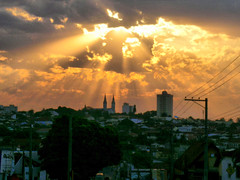 Tup SP (Mauricio Portelinha) Tags: city sunset cidade sol brasil sp tarde raio tup