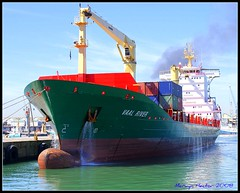 M/V VAAL RIVER (Mervyn Hector) Tags: red sea green water docks ship capetown containership supershot mywinners victoriabasin betterthangood theperfectphotographer grouptripod mvvaalriver