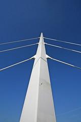 bridge support (Leo Reynolds) Tags: bridge sky canon eos iso100 publicart f11 objectsky 30d 10mm canonefs1022mmf3545usm 0003sec 0ev hpexif groupobjectsky leol30random publicartnorwich groupnorwich xskysetx xleol30x xxx2008xxx xratio2x3x