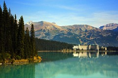 The Fairmont Chateau, Lake Louise (sminky_pinky100 (In and Out)) Tags: lake canada reflections landscape rockies aqua alberta lakelouise banffnationalpark fll fairmontchateau blueribbonwinner 5photosaday mywinners abigfave omot eyejewel theperfectphotographer worldtrekker personabest