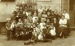 Klassenfoto (Gabriele B) Tags: oldfamilyphotos